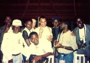 """Photographie postée par Ananias Léki Dago sur sa page Facebook le 26 juin 2014 avec la mention : """"Memories... Bunch of photographers, Bamako 1994, the 1st edition. Can you find me on the picture?"""""""