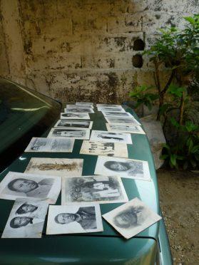 3.-Table de séchage improvisée sur la voiture de Cyrille, 2014
