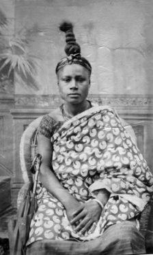 Porträt einer jungen Frau, Nigeria, um 1890. Mit freundlicher Genehmigung von Christraud M. Geary